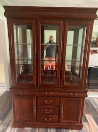 Table and China cabinet  Hubbard, 44425