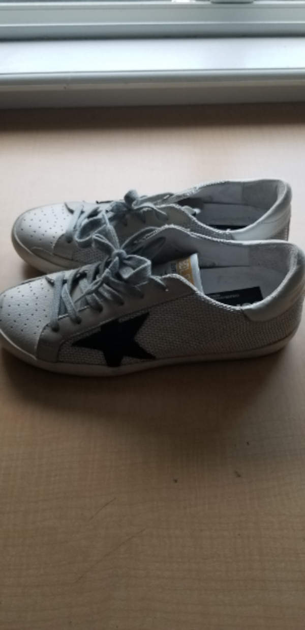 GOLDEN GOOSE SNEAKERS -FIRM ON PRICE 2981601b-547f-4cf5-8167-853b38fc8381