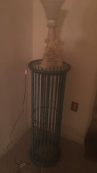 Green iron pedestal with lamp Clinton, 20735