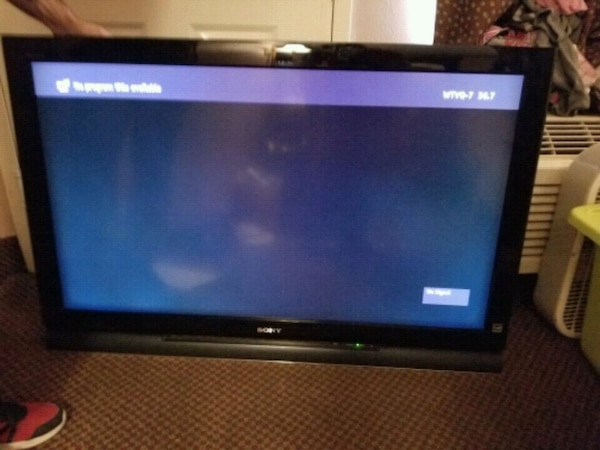 "46"" Sony flat screen TV built in surrounded sound"