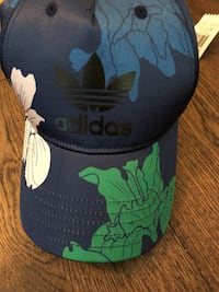 adidas hat new with tags Vancouver, V6B 0E7