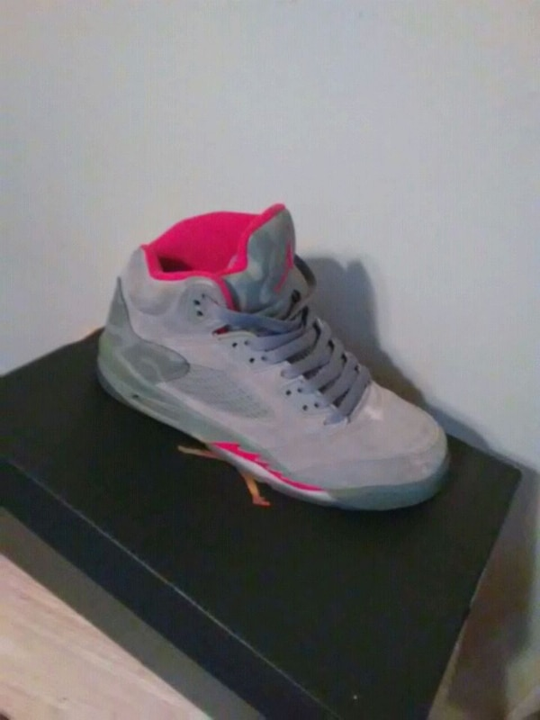d0c9a8a5d48 Used unpaired white and red Air Jordan 5 shoe with box for sale in ...
