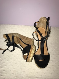 Charlotte russe wedges size 7