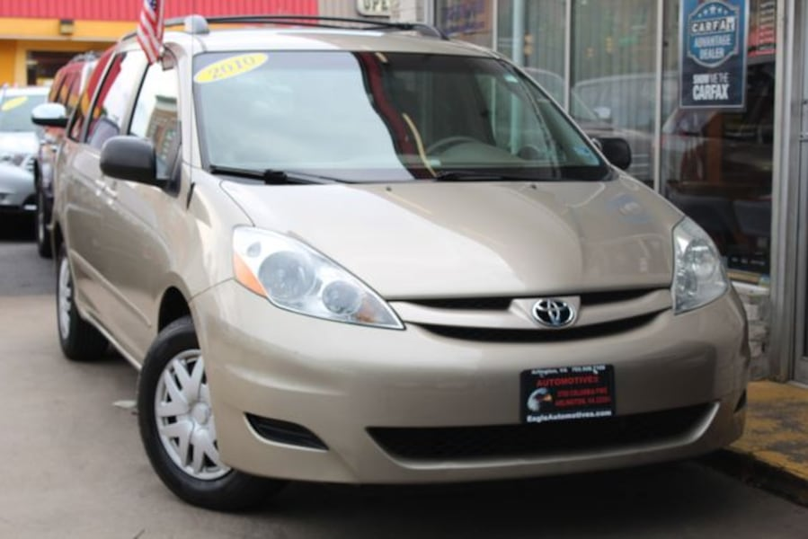 Used 2010 Toyota Sienna for sale 12a72d61-7ba7-4604-9306-a72e5d71c911