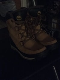 Mint condition timberlands  Kitchener