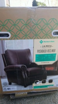 Leather recliner brand new Arnold, 21012