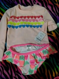 baby's white-and-multicolored crew-neck long-sleeved shirt and panty Savannah, 31405