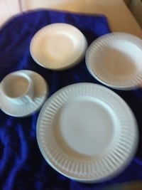 white ceramic plates and bowls Springfield, 65804