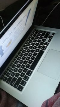 Macbook Pro 13' Retina Display 34 km