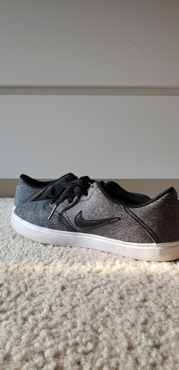 Nike SB skater shoes-size 7 37be6d79-d43d-43bb-b769-09fc8cfbe954
