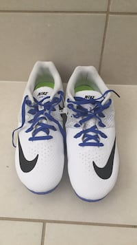Pair of white-and-blue nike sneakers Brampton, L6V