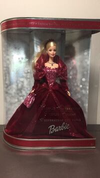 Special edition holiday 2002 barbie doll in box 468 km