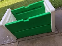 "Toy box, no lid, as is, 30 1/2"" x 18"" x 18"" - $15 Mississauga"