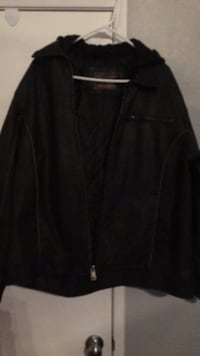 Brown leather zip-up jacket.size XL. Never worn Wildomar, 92595