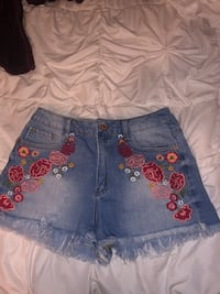 Forever 21 floral shorts Bakersfield, 93309