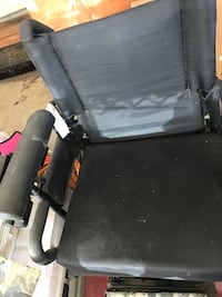 black and gray wheelchair