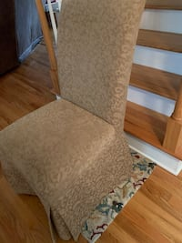 Parsons Chair (1) -Gold/Brown Upholstery. Good Condition. Call Larry  [PHONE NUMBER HIDDEN] . No texts please Johns Island, 29455