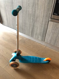 Child's scooter for sale  Toronto, M6P 1Y5