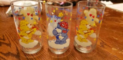 set of 3 carebear glasses vintage