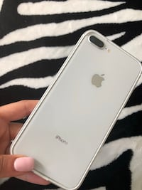 Silver iphone 7 plus with case Laval, H7T 1Y4