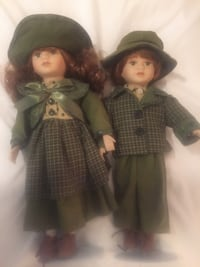 Collectible (Ashley Belle) German ceramic dolls on a stand in excellent condition. Real leather shoes and real wool clothing, brother and sister Jack and Jill series. Dressed in green wool clothing  and have red hair. I paid 500$ 28 years ago and I'm sure Kemah, 77565
