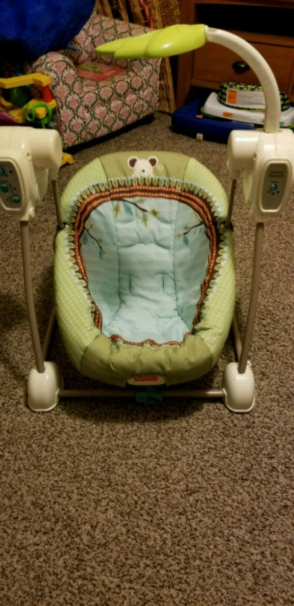 Small infant swing.  ab4908a2-8fda-4df3-909e-64a8ec40b3d8