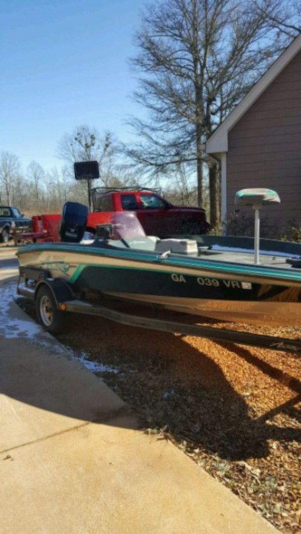93 Astro bass boat 18.5 ft  45e00af6-ccf3-4719-9f65-061580b90005