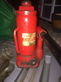 hydraulic 8 tons jack or very best offer Hamilton