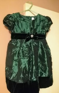 This could be a beautiful Christmas dress .  Kennett, 63857