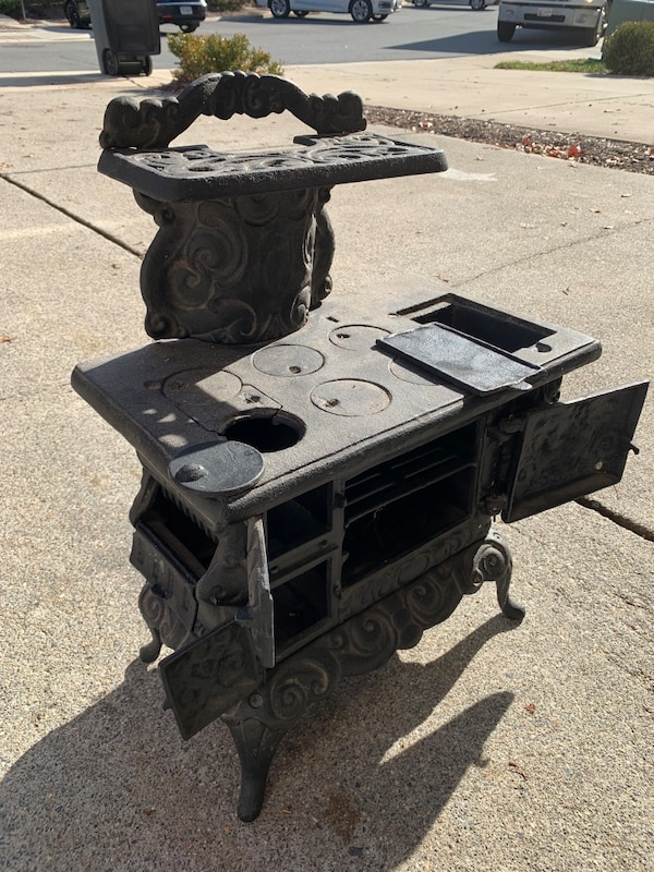 Salesman's sample cast iron stove 1
