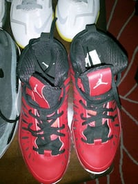 Size 7mens red Jordans great condition $50 Houston, 77009