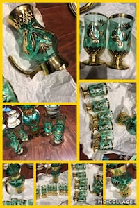 Vintage heavy gold trim green pitcher and 6 glasses, never been used; great for Christmas/new year gift  Hamilton, L9A 1T3