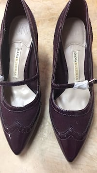 pair of black leather flats Lafayette, 70508