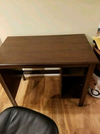 Brown desk Fairfax Station, 22039