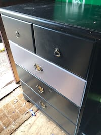 Black wooden 3-drawer chest Saint-Jean-sur-Richelieu, J2Y