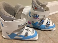Light blue ski boots 22.5 Toronto, M6G 1P3