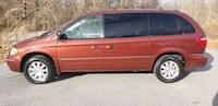 2007 - Chrysler - Town and Country LIMITED  UPPR MARLBORO