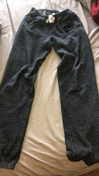XXS Grey Roots Sweatpants, used once  Toronto, M1N 2L3