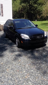 Kia Rio '09  5 speed 16v,122k miles,runs great,interior immaculate,exterior good,new battery,like new tires. Aberdeen, 21001