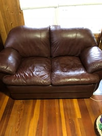 brown leather 2-seat sofa West Kelowna, V4T 1M8