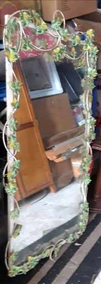Antique grapevine mirror  Florida, 32174