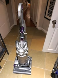 gray and purple upright vacuum cleaner Alexandria, 22314