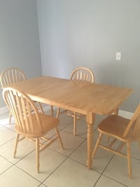 Great wood dining set with leaf extension! Orlando, 32826