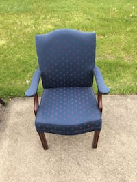 Blue and brown wooden armchair 496 mi