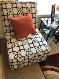 2 accent chairs  Alexandria, 22312