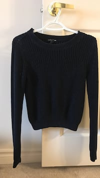black scoop-neck sweater London, N6H 4W1