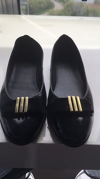 Pair of black slip on shoes size 6 Toronto, M8V 1A4
