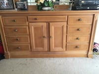 brown wooden 6-drawer dresser 57 km