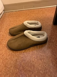 Winter sandals size 10