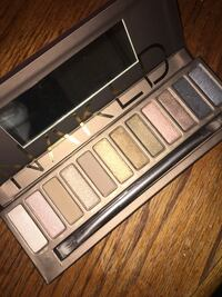 white and gray makeup palette Winnipeg